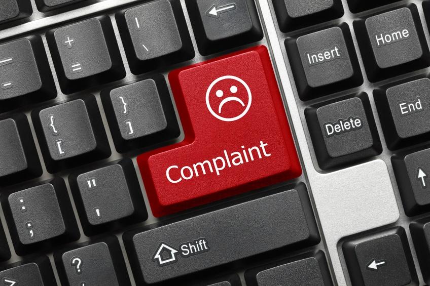how-uniform-stores-should-respond-to-online-complaints.jpg